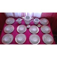 Limoges / Лимож, Франция.Чайный сервиз с золотым дэкором. 10 персон,33 предмета.