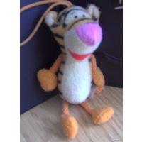 Мягкая игрушка из мак дональдса Тигра