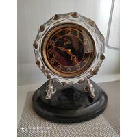 Часы Маяк, хрустальный корпус.