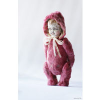 Тедди-долл/TEDDY-DOLL: Головка на шплинте, сделана из самоотвердевающей массы Wood Formo, со слепка антикварной головы 1890 г. Роспись-акрил, акварель, матовый лак. Тельце из винтажного плюша, плотно