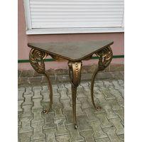 Стол столик консольного типа ,угловой, латунь.