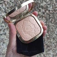 Dolce&Gabbana Baroque Lights Highlighting Powder (03 Opulent Pink)