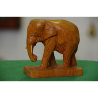 Статуэтка Слон   ( высота 9 см , длинна 9 см )