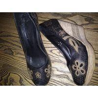Стильные ,удобные туфли с перфорацией.натуральная кожа