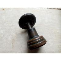 Ручка мебельная кнопка