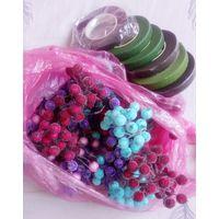 Декоративные ягоды и флористическая лента