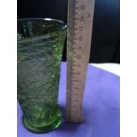 Вазочка,зелёное стекло. неман.лот 2