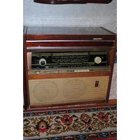 Консольная радиола первого класса_''Ригонда-Моно''_N o2_Хор.состояние_ловит и работает радио_Но не работает проигрыватель пластинок_/ремонтировать не пробывали//_Всё состояние на фото_САМОВЫВОЗ_!