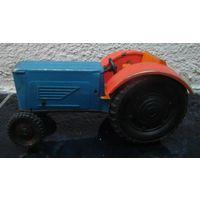 Игрушка трактор. Металл. СССР