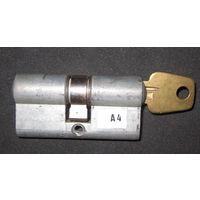 Механизм цилиндровый,личинка,аллюминий, б/у., ключ в комплекте.