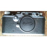 Довоенный немецкий фотоаппарат Лейка Leica с некоторыми потерями, но рабочий.