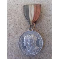 """Памятная медаль """"25-ть лет правления короля Георга V и королевы Марии, 1910-1935. Англия, 1935 год."""