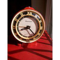 Часы будильник Янтарь.
