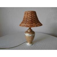 Лампа настольная небольшая керамика je Fassung Германия высота 35 см., маленький цоколь.