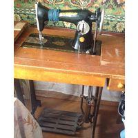 Швейная машина Рабочая На станине