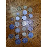 Лот иностранных монет 33 штуки.