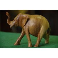 Статуэтка  Слон  ( высота 8,5 см , длинна 11 см )