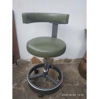 Стул-кресло , регулировка высоты.
