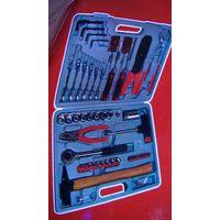 Авто набор: ключи, головки и всё, что надо для ремонта авто...