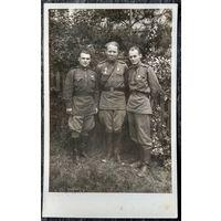 Фото офицеров-гвардейцев. 1940-е. 8х13 см.
