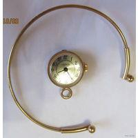 """Часы женские """"Чайка"""",СССР с браслетом-механические"""