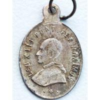 Старинный Шкаплерный металический медальон Папа Римский-Leo XIII,примерно 1880 год.
