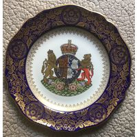 Коллекционная фарфоровая тарелка * 100-й Юбилей Королевы-Матери*, Англия - SPODE.