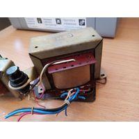 Пара трансформаторов лампового магнитофона DAINA.