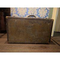 Антикварный чемодан  40х годов