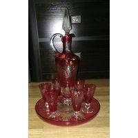 Сервиз красное стекло СССР кувшин , рюмки и подставка-блюдо  Отличный Распродажа супер старт цена !