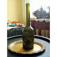 Бутылка винная, нач. 20 в., удлинённая шея, сильно вогнутое дно, без дефектов