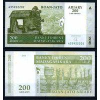 Мадагаскар. 200 ариари 2004. [UNC]