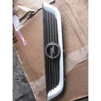 102003 Opel Vectra B решетка радиатора