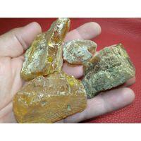 ЯНТАРЬ-. Камень Природный - 136 грамм. Балтика..// по 1уе.гр. //