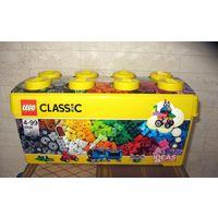 Конструктор LEGO Classic 10696, 484 детали, Medium Creative Brick Box (средний набор) рекомендуемый возраст 4–99 лет  Не открывался, упаковка не нарушена. Размер 18х18х37 см, вес 1,04 кг Страна бренда