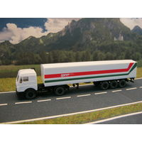 Модель грузового автомобиля Mercedes-Benz(4). Масштаб НО-1:87.