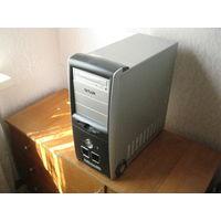 Компьютер-Системный блок. клавиатура мышь монитор