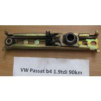 100495 Pегулятор высоты ремня безопасности VW VAG 191857819