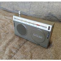 Радиоприёмник ''Россия-303'' (СССР, 80-е)