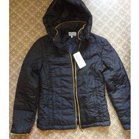 Куртка женская: новая, лёгкая, тёплая.
