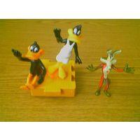 Looney Tunes (Луни Тюнз): Daffy Duck (Даффи Дак (1989г.), чокнутая утка) - 2шт. и Вилли Койот