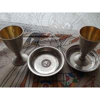 Серебрянные рюмки с тарелочками