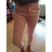Брюки розовый джинс на девочку 8 лет