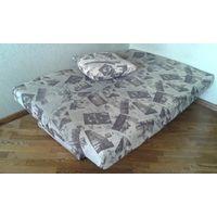 Тахта + 2 подушки от нее - размеры - 1990*1330*430 - самовывоз
