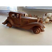 Коллекционная деревянная машинка.