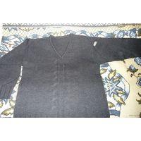 Мужской темно-серый свитер, р. 50, 50% шерсти (Германия)