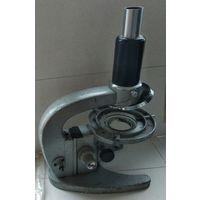 Микроскоп старинный  ,требует ремонта