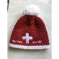 Шапка Бело красная Швейцария очень тёплая Классно смотрится