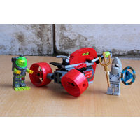 Набор LEGO Wrec Raider (Поиски сокровищ) с инструкцией (плавательный аппарат и две минифигурки).