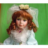 Кукла фарфоровая  (40 см)